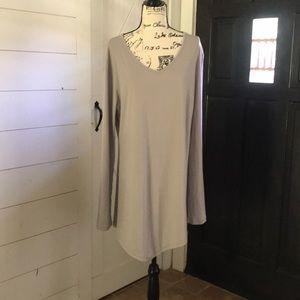 Tops - Long sleeved tunic